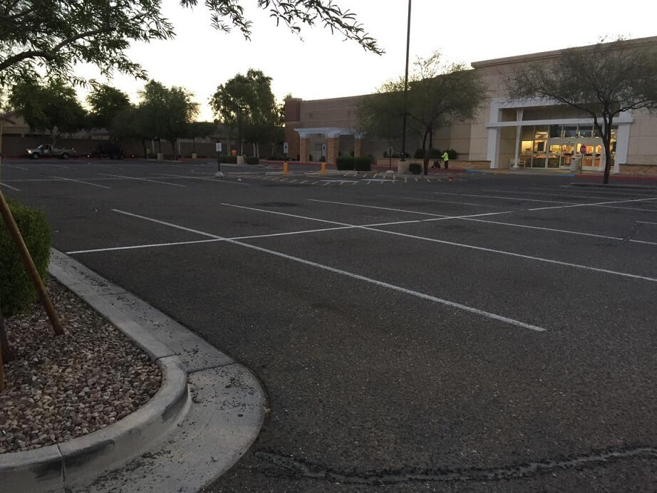 kohls parking lot before sealer